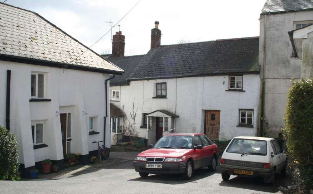 Cottages in Crockernwell village